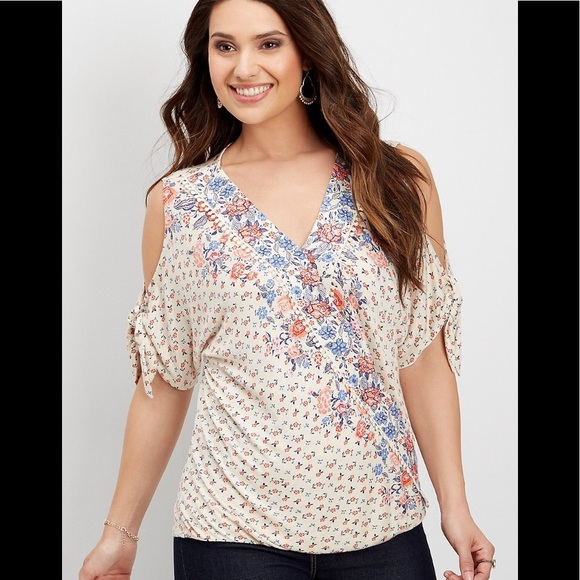 557b8f2071c7b4 Maurices Plus Size Blouse 3X